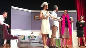 Tiyatro Frankfurt'un yeni oyunu 'Kim Geldi' izleyici ile buluştu
