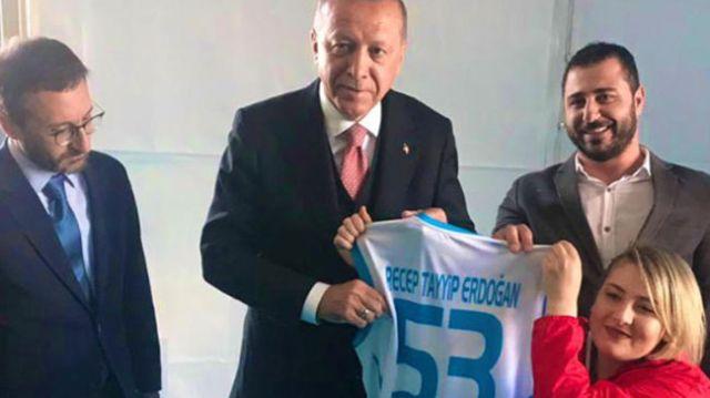 Başkan Erdoğan, milli sporcu Ebru Çam ile görüştü