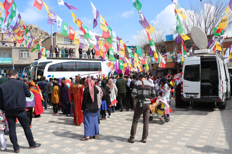 HDP'nin Diyarbakır hüsranı: Meydanı boş görünce Buldan'ın morali bozuldu