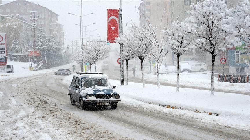 Doğu'da baharda yağan kar etkili oldu