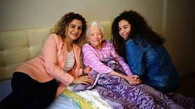 Türk anne ve kızı ile Amerikalı kadının iyilik hikayesi