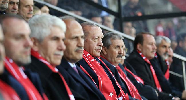 Başkan Erdoğan'dan A Milli Takım'a destek