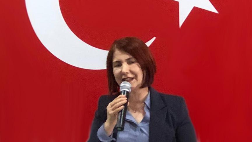 Handan Toprak Benli, Ekrem İmamoğlu'na resti çekti: Çekilmiyorum, vuracak mısın?
