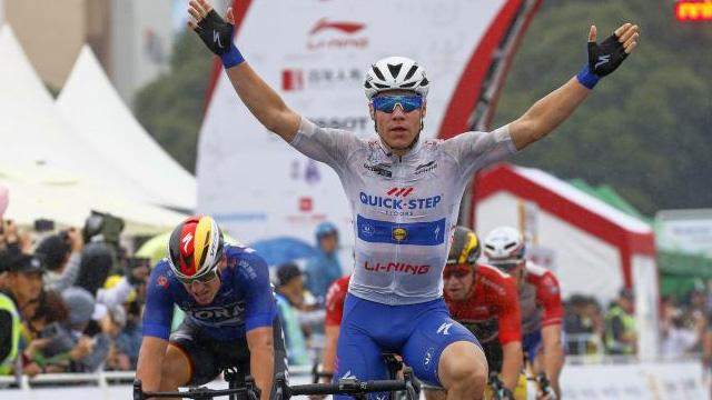 TUR 2019'un üçüncü etabını Hollandalı sporcu Fabio Jakobsen kazandı