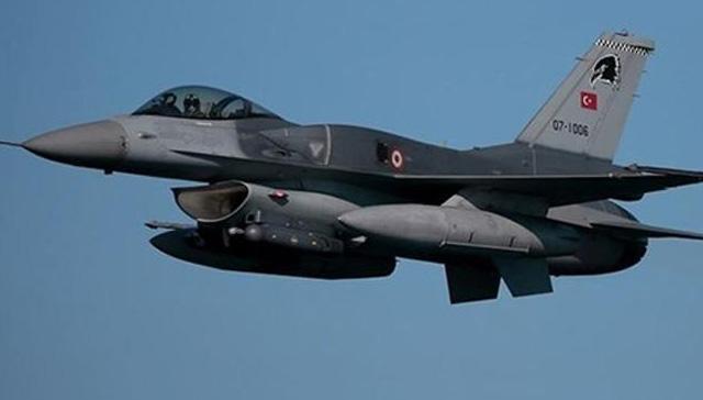 Yunan Komutanının helikopterine taciz iddiası yalan çıktı