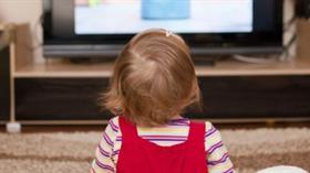 Uzmanlardan ailelere önemli uyarı: TV izleyen bebeklerde gelişim geriliği görülebilir