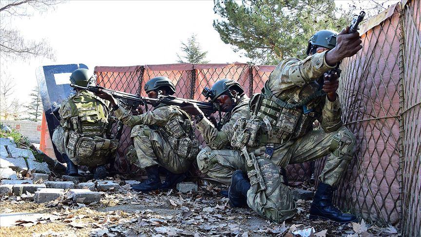 Türkiye'deki Somalili askerler komando eğitimini bitirdi