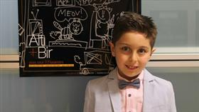 Enis Kıral, ilk karikatür sergisini 8,5 yaşında açtı