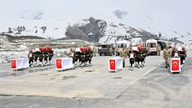 Sınırda büyük operasyon! En az 20 terörist öldürüldü