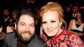 Adele boşandı