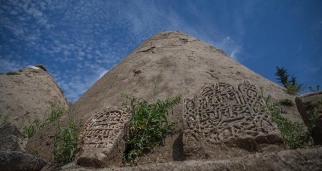 8 bin yıllık Harran evlerine turist akını