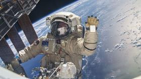 Crew Dragon uzay aracı için ilk insanlı uçuşun ertelendiği bildirildi