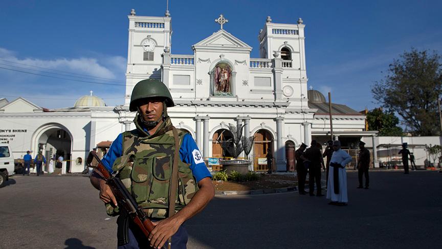 Sri Lanka'daki terör operasyonlarında 13 kişi yakalanırken, 3 polis hayatını kaybetti