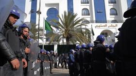 Cezayir'in en zengin iş adamı tutuklandı