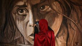 Gazze'de enkazlar arasındaki sıra dışı sergi