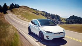 Tesla Motors, ilk çeyrekte 702 milyon dolar zarar açıkladı