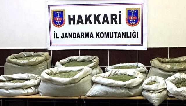 Hakkari'de yaklaşık 18 kilogram toz esrar ele geçirildi