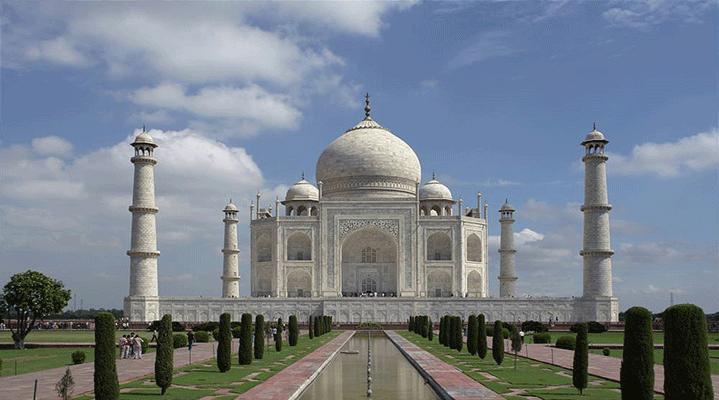 Dünyanın en popüler turistik mekanları listesi açıklandı. Listede her yıl yaklaşık 91 milyon 250 bin kişinin ziyaret ettiği Türkiye'den bir mekan da yer alıyor. İşte o liste... Tac Mahal, Agra, Hindistan