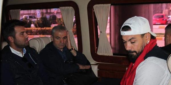 Rıza Çalımbay ekibi ile birlikte Trabzon'a geldi