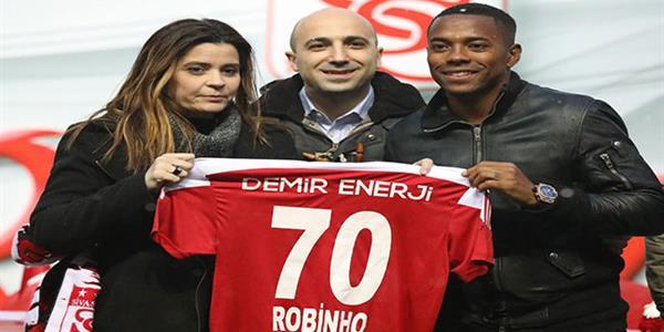 Robinho'dan Sivasspor'a 1,5 yıllık imza