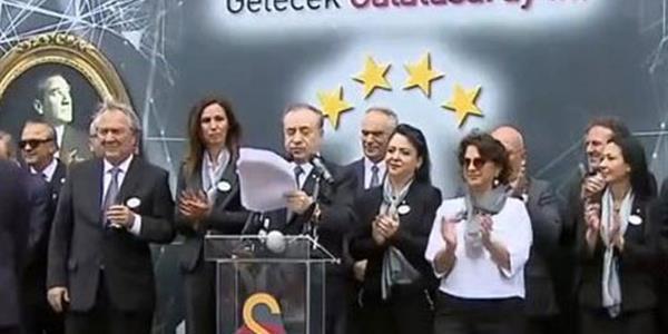 Galatasaray Başkanı Mustafa Cengiz yönetim listesini açıkladı