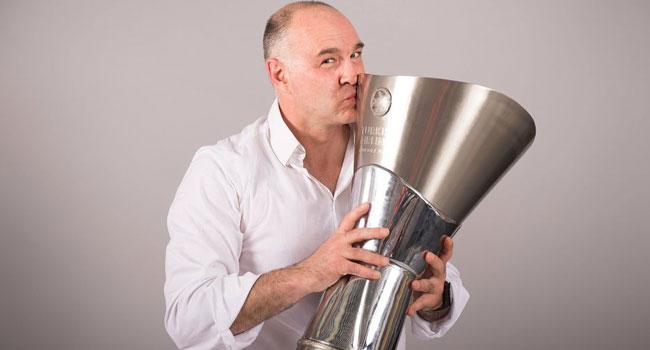 Pablo Laso EuroLeague'de yılın koçu seçildi