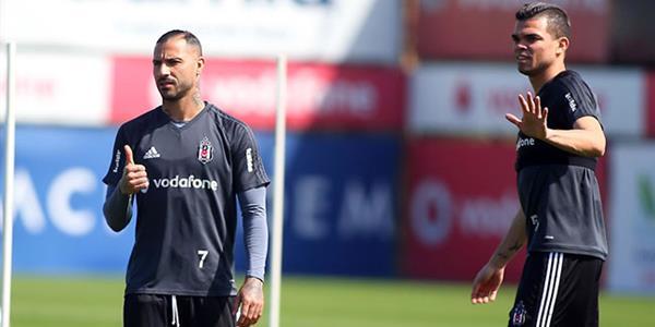 Beşiktaş'a Quaresma ve Pepe'den müjdeli haber