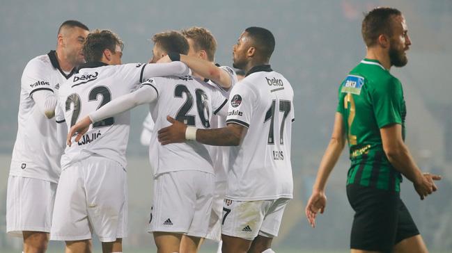 Beşiktaş ikinci yarıya galibiyetle başladı: 1-3