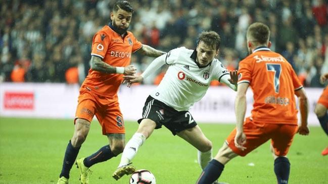 Beşiktaş, zorlu maçta evinde Medipol Başakşehir'i konuk edecek! İşte muhtemel 11'ler...