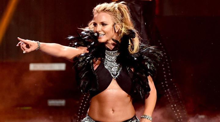 10. Britney Spears (30 milyon dolar)